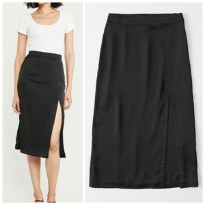 New S Abercrombie black satin slit midi skirt
